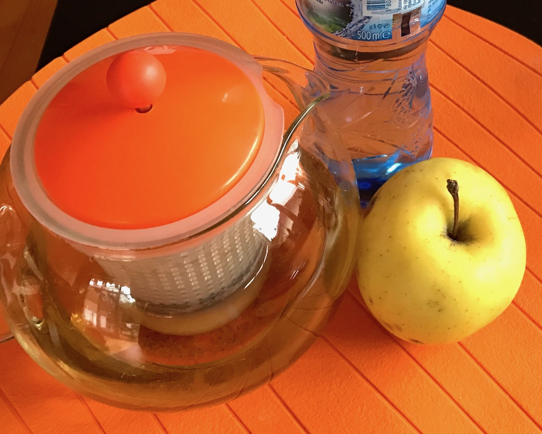 Fruits and tea